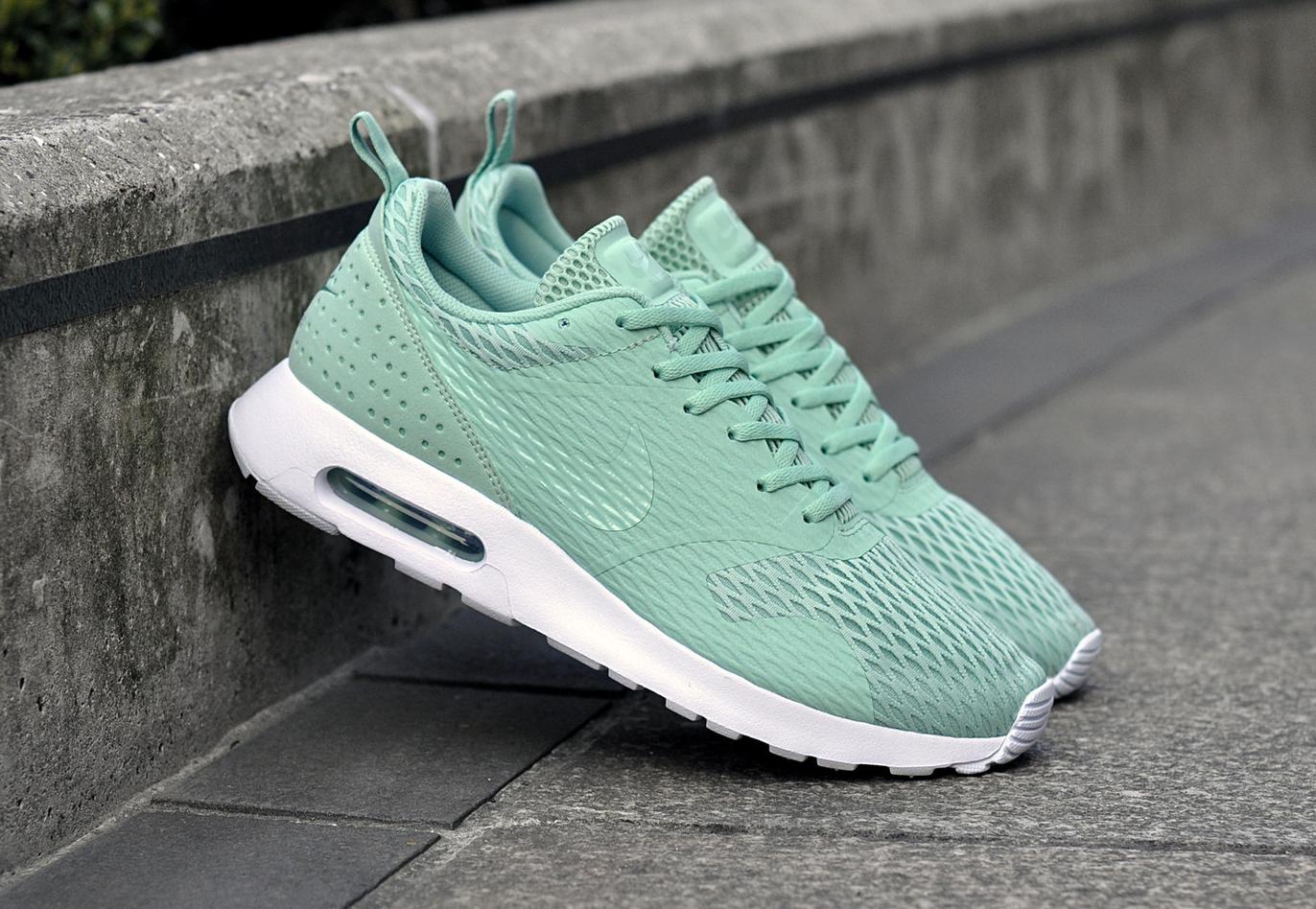 Chaussure Nike Air Max Tavas SE Enamel Green (1)