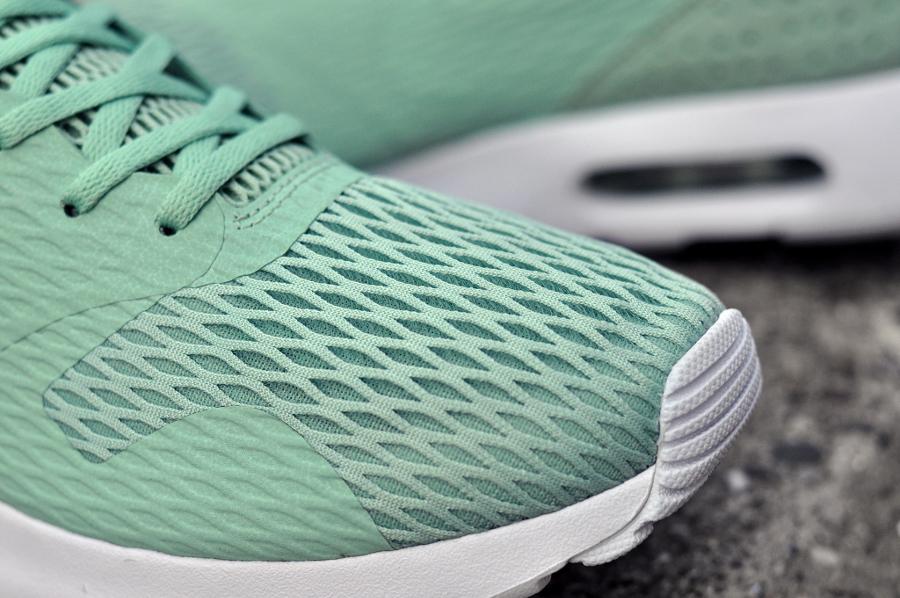 Chaussure Nike Air Max Tavas SE Enamel Green (2)
