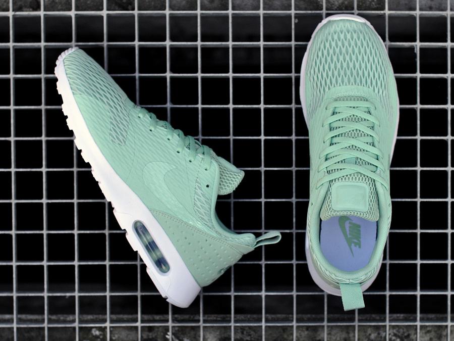 Chaussure Nike Air Max Tavas SE Enamel Green (3)