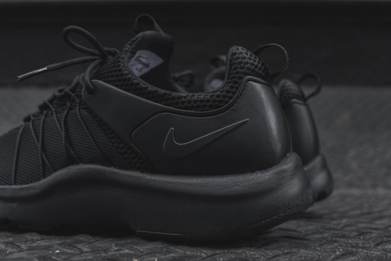 7f075ae822e Nike Darwin Flywire 2016 Triple Black (Noire)