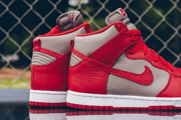 Chaussure Nike Dunk High Retro 'UNLV' (Soft Grey University Red) (2)