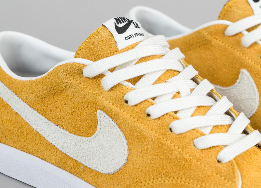 best service dbb3d 8c4ab Chaussure Nike SB Air Zoom All Court Cory Kennedy daim jaune (5)