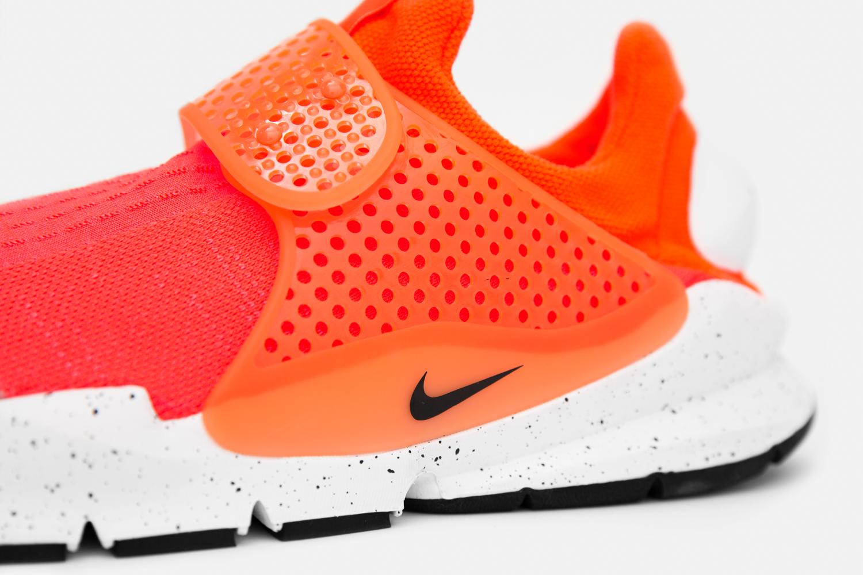 Chaussure Nike Sock Dart SE Total Crimson (2)