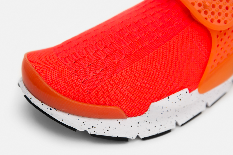 Chaussure Nike Sock Dart SE Total Crimson (3)