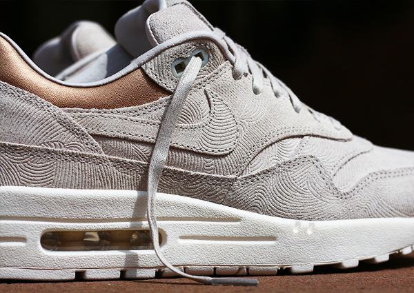 magasin en ligne a1494 48051 Nike Air Max 1 PRM 'Gamma Grey Metallic Golden Tan'