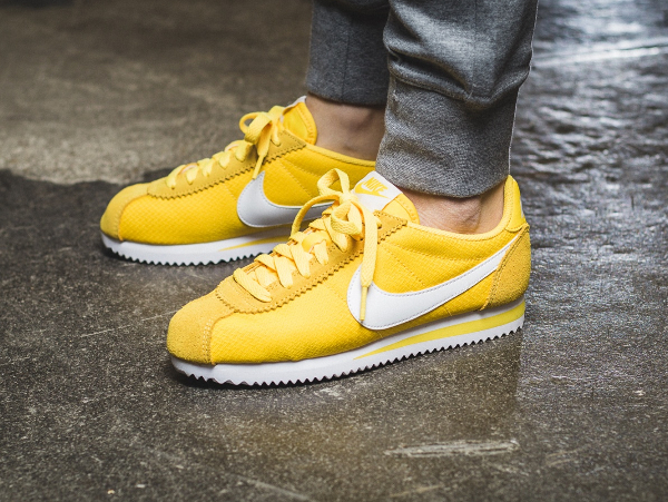 superior quality f856c c11f6 Me Stee-lo Nike Cortez Nylon 15 (femme) Maize, Blue, Ghost Green Crims nike  cortez yellow ...