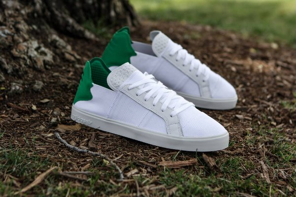 342d88a2bb3c Chaussure Pharrell Williams x Adidas Consortium Elastic Lace Up White Green  (1)