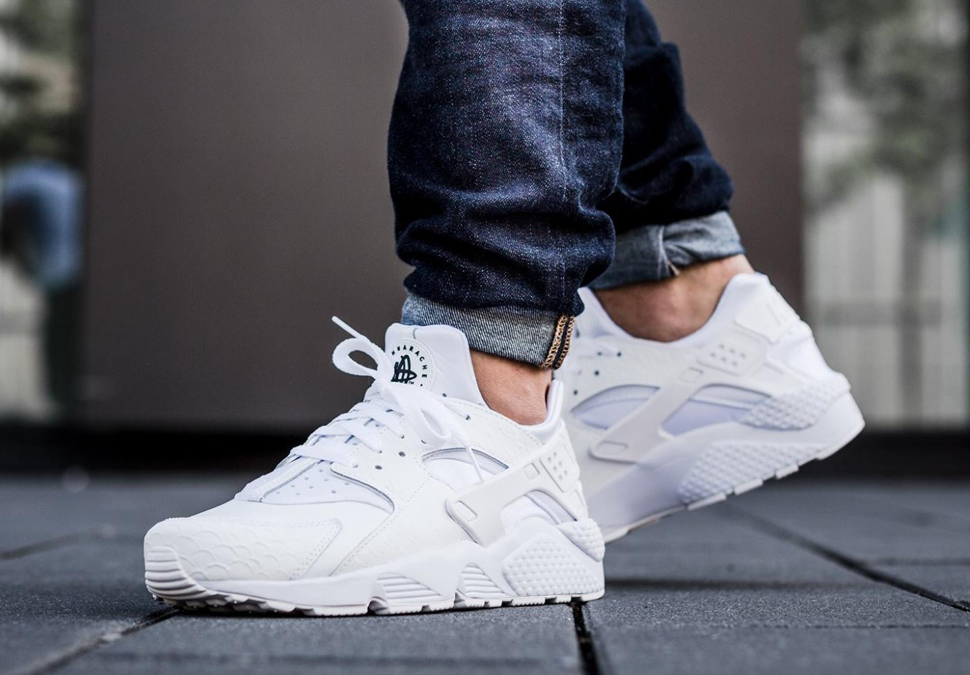 basket nike air huarache blanc
