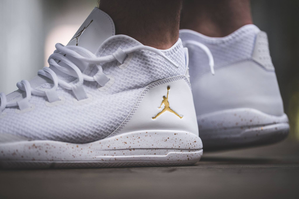 Basket Air Jordan Reveal 'Metallic Gold' (2)