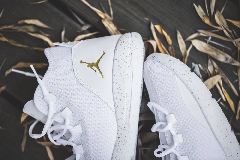 Basket Air Jordan Reveal 'Metallic Gold' (3)
