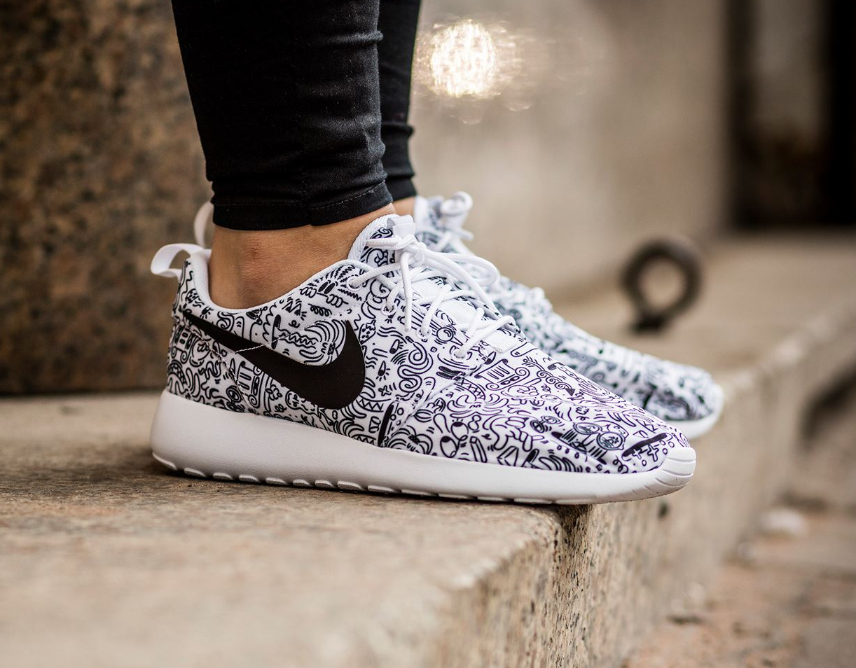 Basket Steven Harrington x Nike Roshe Run Print 'Doodle' (1)