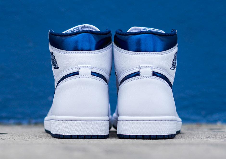 Chaussure Air Jordan 1 Retro High OG 'White Metallic Navy' (2)