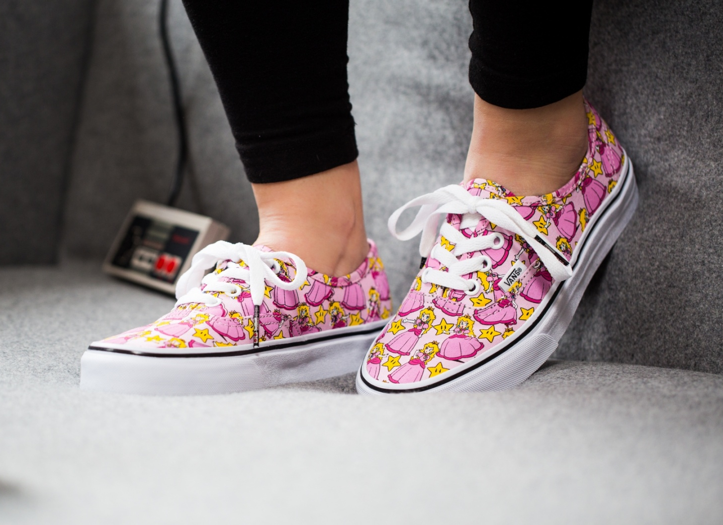 Chaussure Nintendo x Vans Authentic Princesse Peach (3)