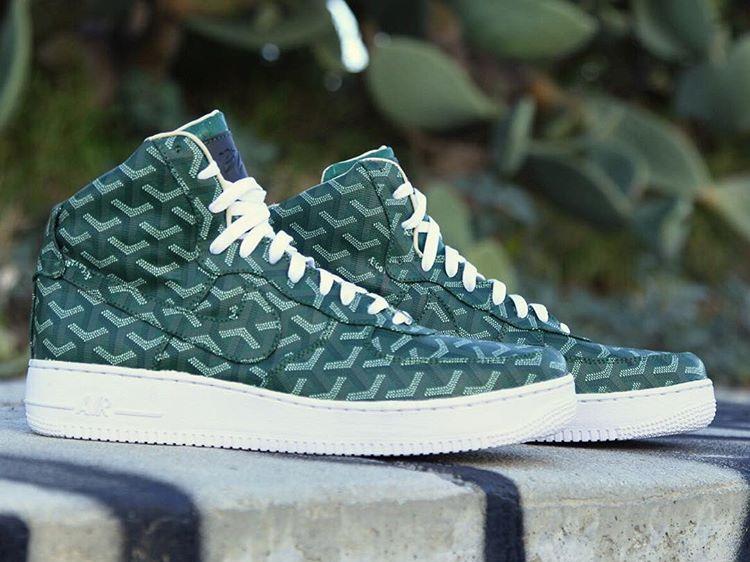 1 Max Hermès Les Versace amp  15 Customisées Autres Air Sneakers A5EqqrFX d535dc3be07