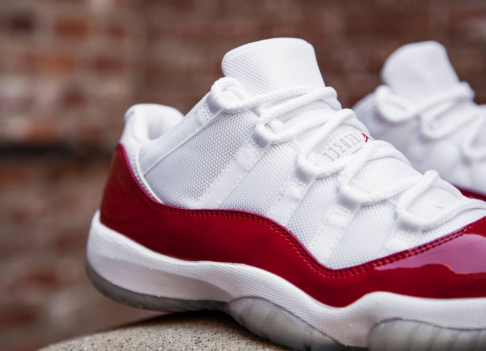 acheter basket Air Jordan 11 Low Retro 'White Varsity Red' 2016 (3)