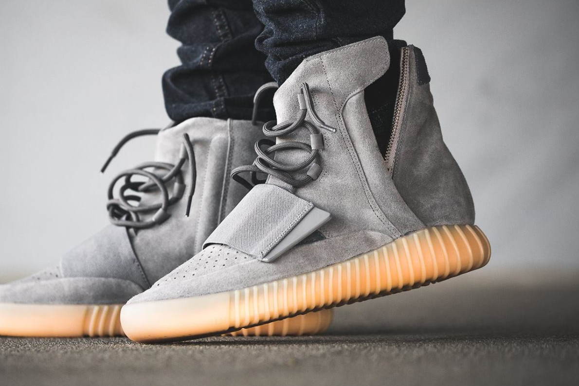 acheter basket Kanye West x Adidas Yeezy 750 Boost 'Grey Gum' (glow in