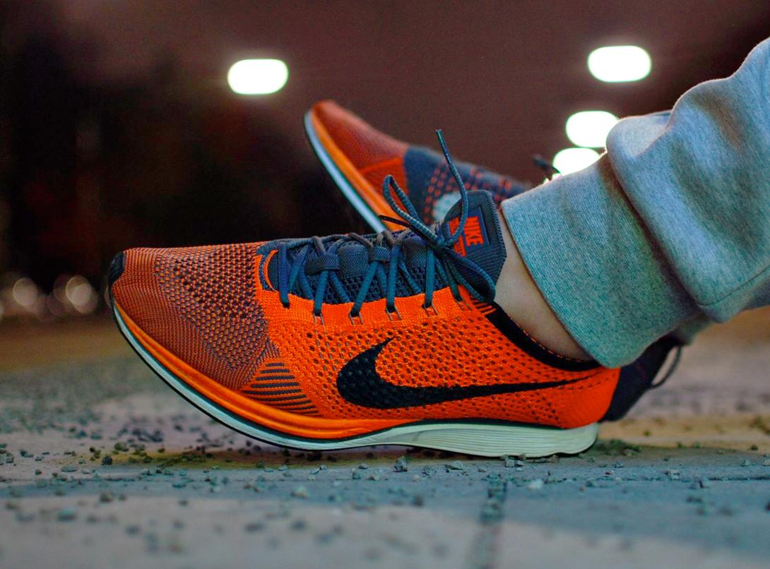 acheter basket Nike Flyknit Racer Total Orange