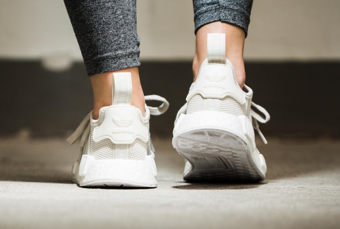acheter chaussure Adidas NMD_R1 W 'Talc' (blanc cassé) (3)