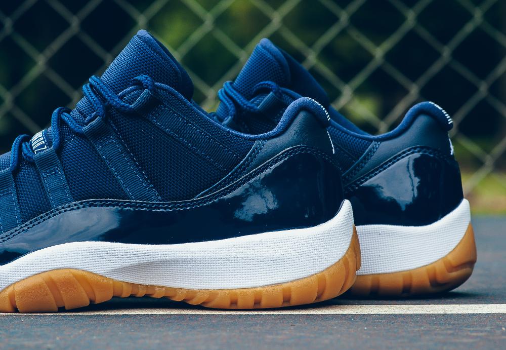 acheter chaussure Air Jordan 11 Retro Low 'Midnight Navy' (2)