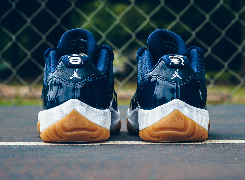 acheter chaussure Air Jordan 11 Retro Low 'Midnight Navy' (4)