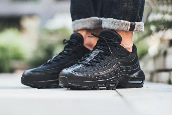 Nike Air Max 95 Essential 'Triple Black'