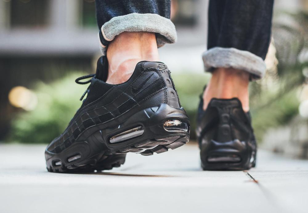 acheter chaussure Nike Air Max 95 Essential 'Triple Black' 2016 (2)