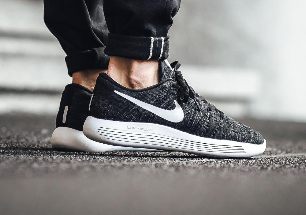 acheter chaussure Nike Lunarepic Low Flyknit Black White (2)