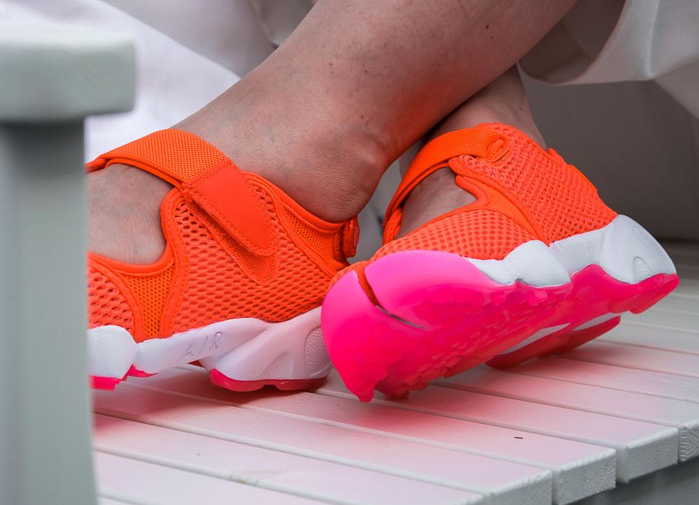 1aa4976dd2e acheter chaussure Nike Wmns Air Rift Breathe Total Crimson (femme) (3)
