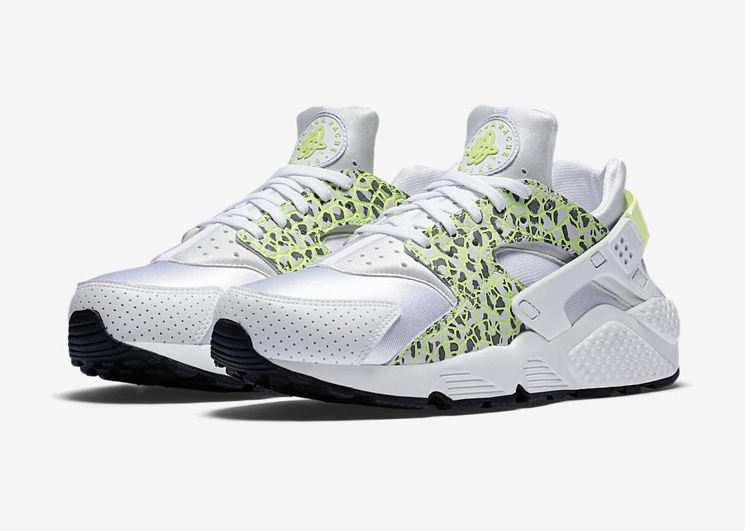 size 40 918ea 9e50c Nike Wmns Air Huarache Premium  Ghost Green