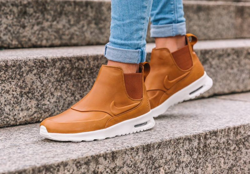 bottines-Nike-Wmns-Air-Max-Thea-Mid-Ale-Brown-pas-cher-en-soldes
