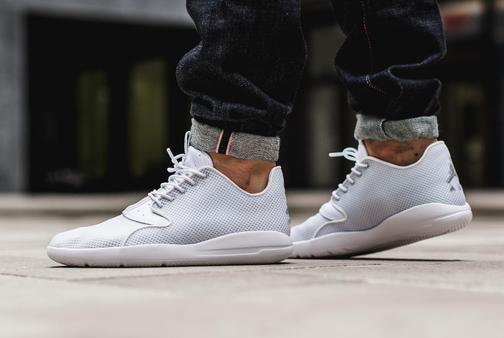chaussure Air Jordan Eclipse 'Pure Platinum' (1)