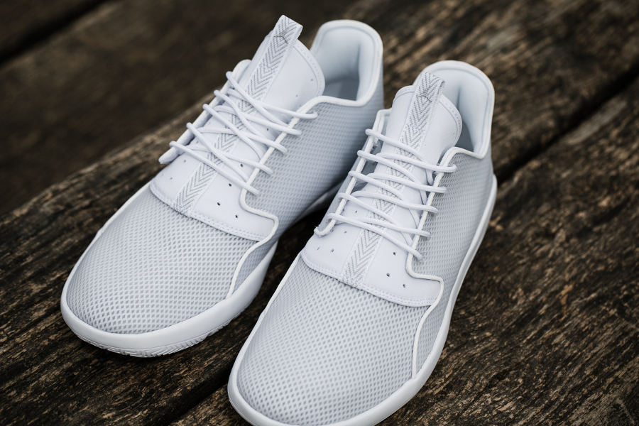 chaussure Air Jordan Eclipse 'Pure Platinum' (4)