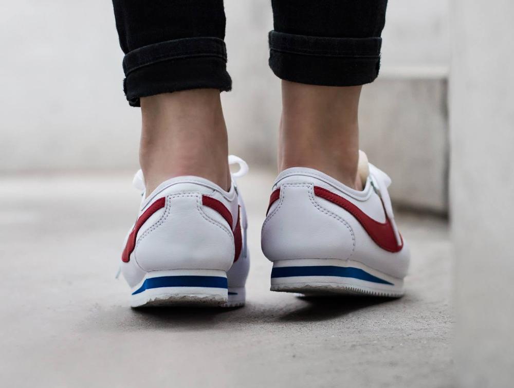 chaussure Nike Cortez 72' OG 'White Varsity Red' pour femme (3)