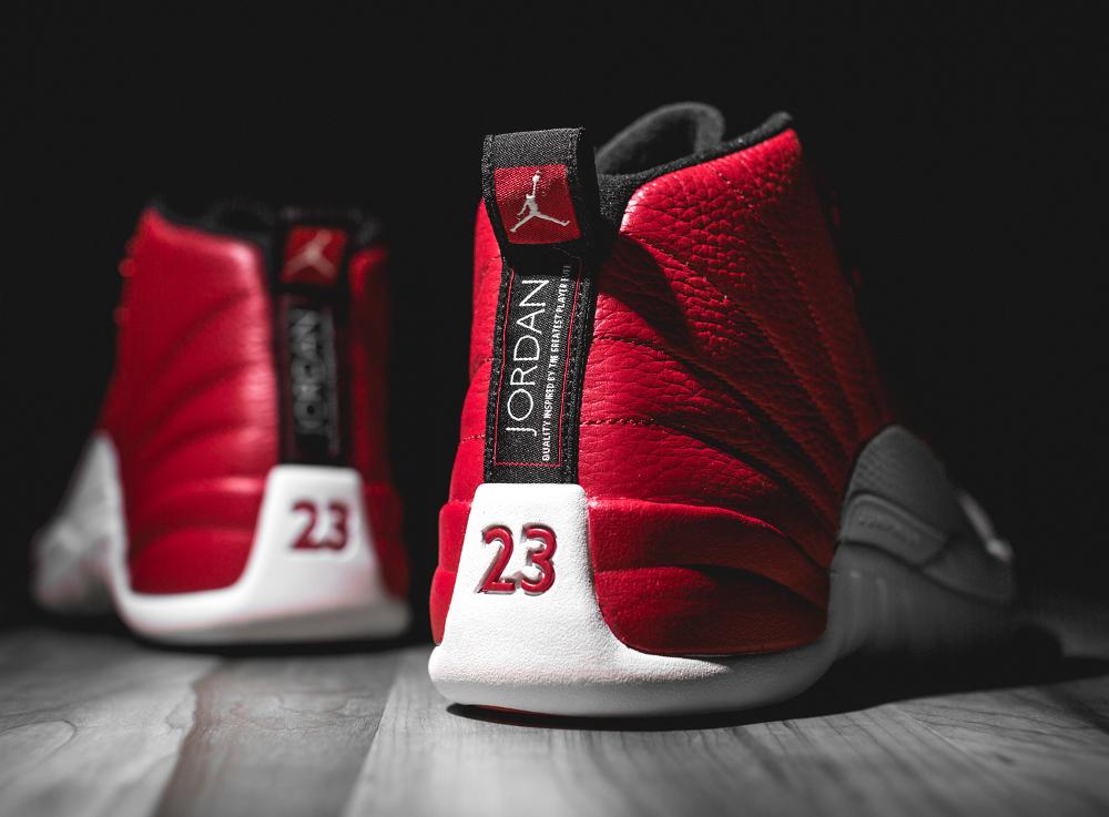 Basket Air Jordan Retro 12 'Gym Red' (2)