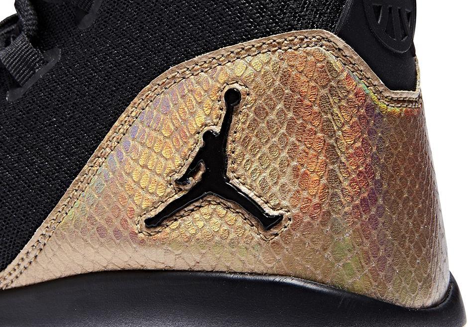 Chaussure Air Jordan Reveal Q54 (4)