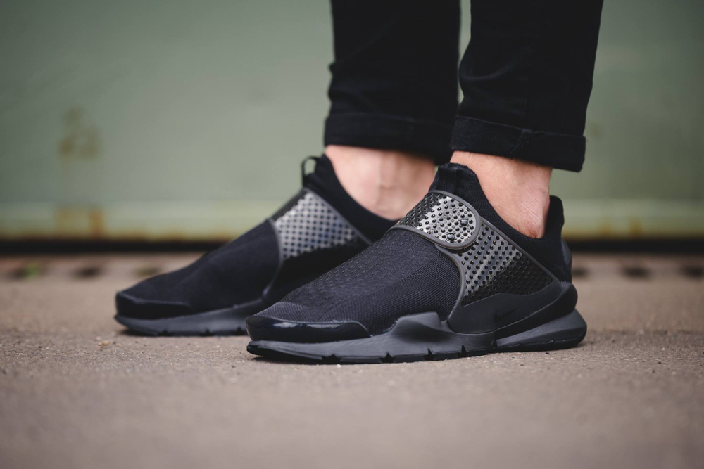 Chaussure Nike Sock Dart SE Triple Black noire (3)