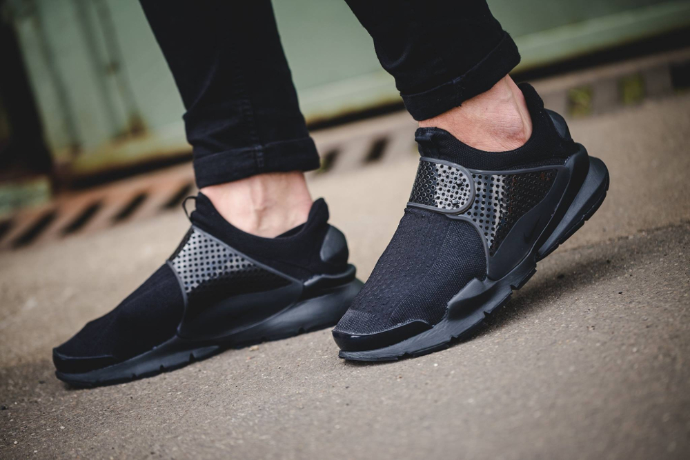 Chaussure Nike Sock Dart SE Triple Black noire (4)