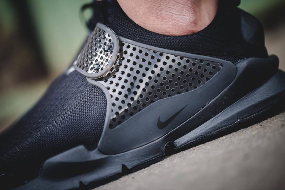 Chaussure Nike Sock Dart SE Triple Black noire (5)