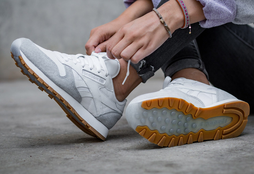 Kendrick Lamar x Reebok Classic Leather W 'Perfect Split' White Cloud Grey Gum (femme) (1)