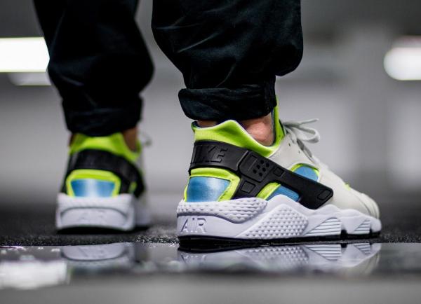 Nike Air Huarache 'Barely Volt'