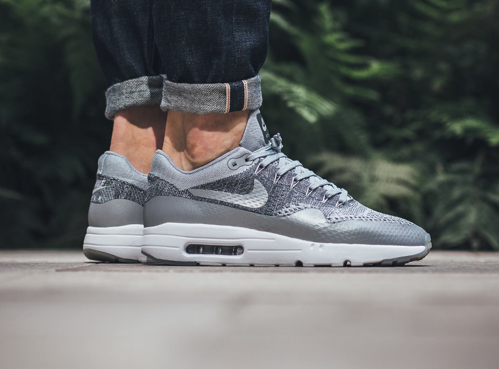 Nike Air Max 1 Ultra Flyknit (Wolf Grey Dark Grey White) (grise) (1)