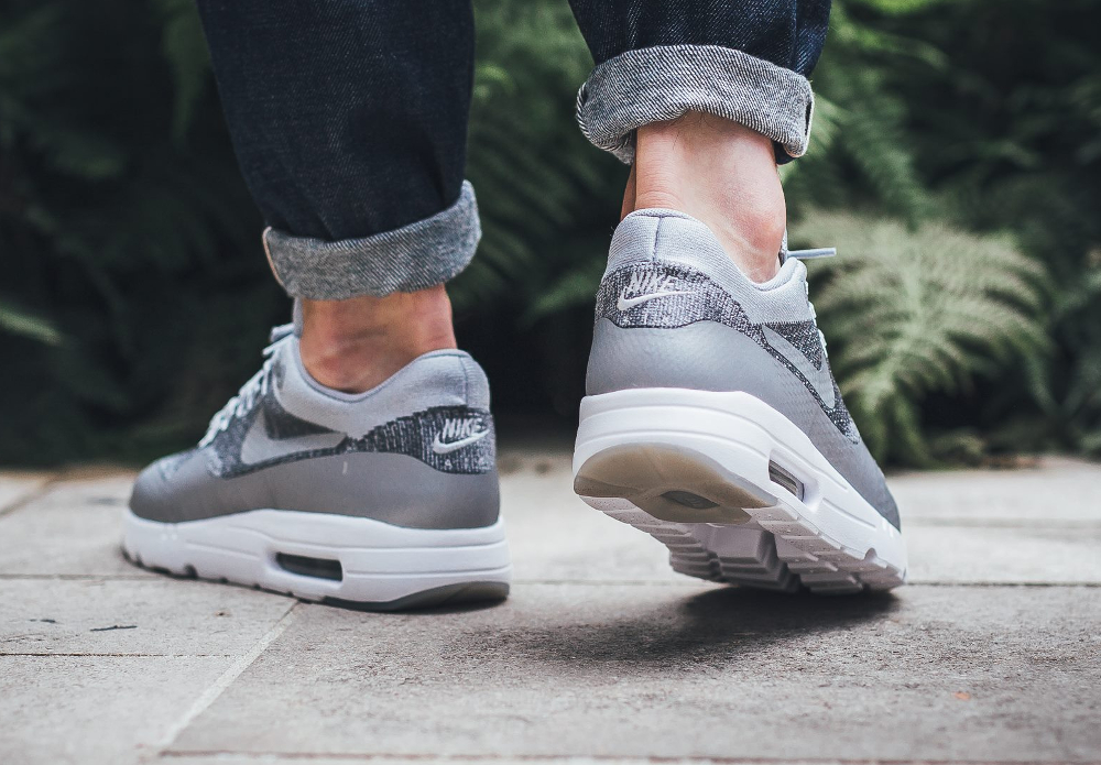 Nike Air Max 1 Ultra Flyknit (Wolf Grey Dark Grey White) (grise) (2)