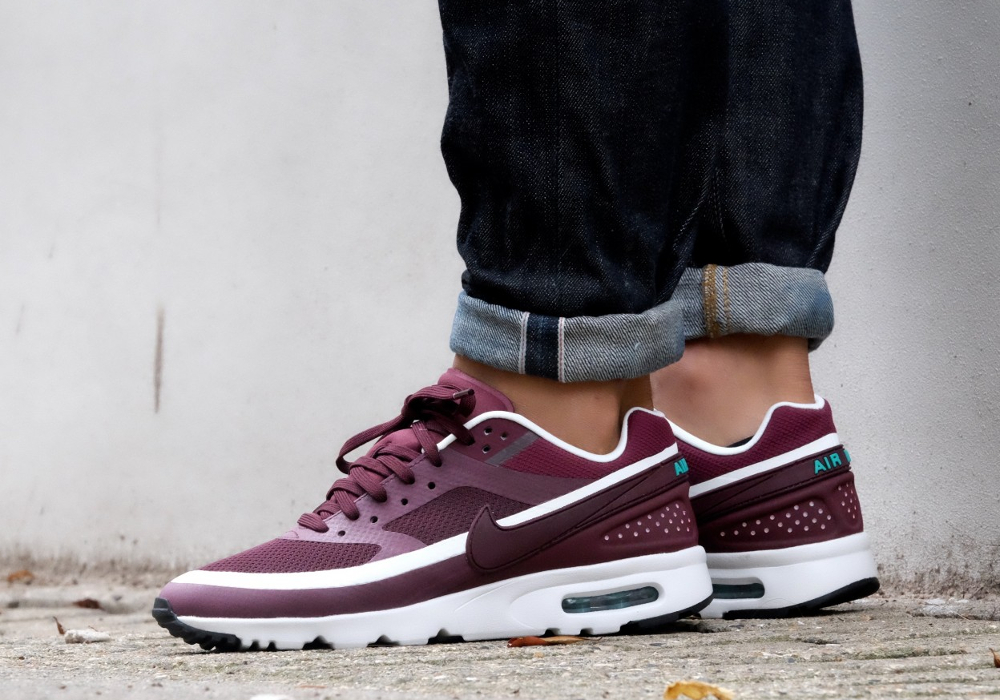 Où trouver la Nike Wmns Air Max BW Ultra 'Night Maroon White' ?