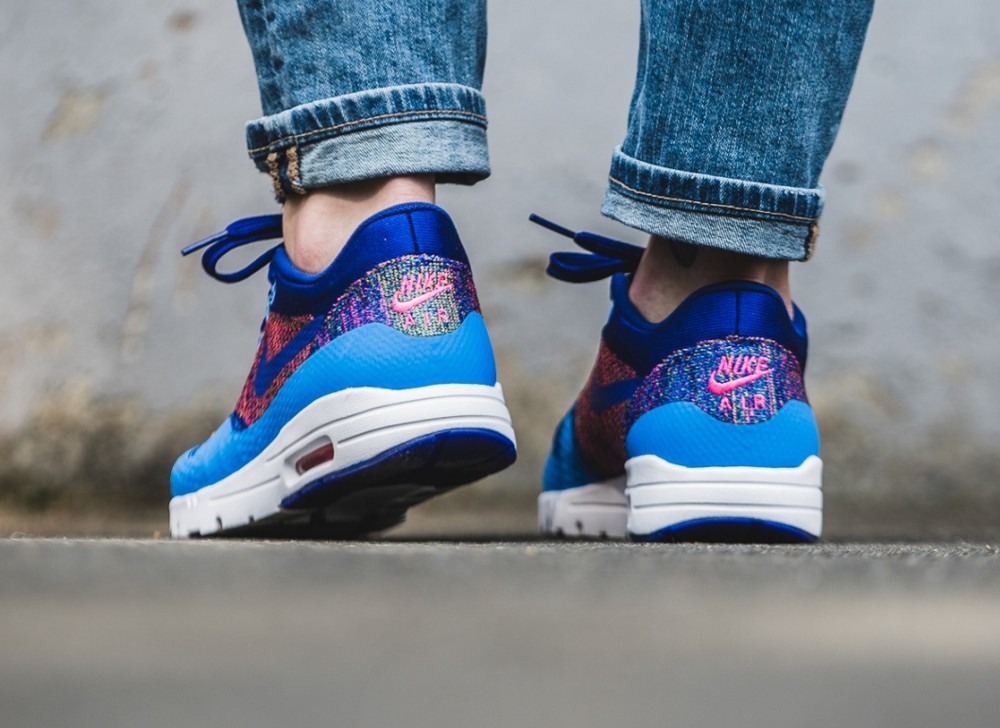 Nike Wmns Air Max 1 Ultra Flyknit (Photo Blue Deep Royal Blue Pink Blast) (femme) (2)