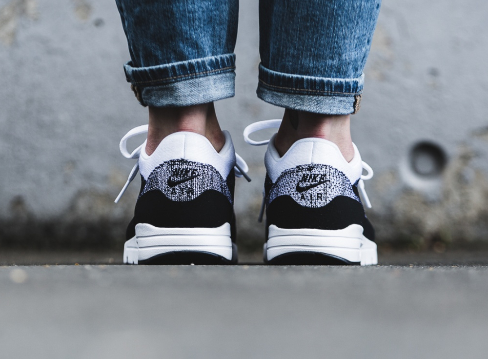 Nike Wmns Air Max 1 Ultra Flyknit White Black (2)