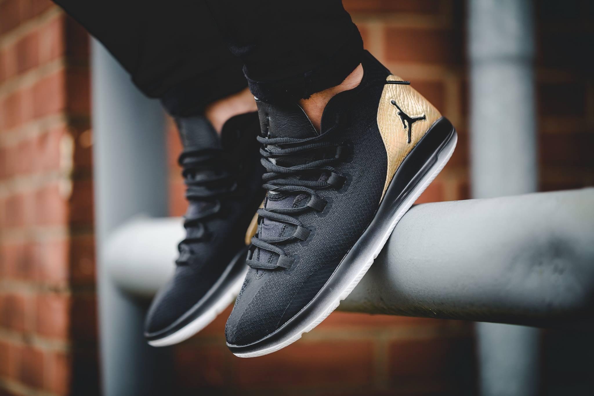 acheter Air Jordan Reveal Black Metallic Gold Quai 54 (1)