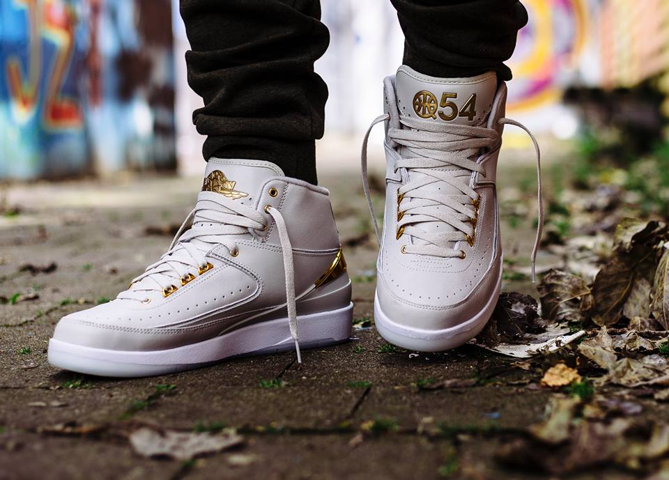 acheter chaussure Air Jordan 2 Retro 'Quai 54' Light Bone Metallic Gold (2)