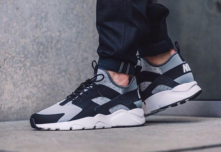acheter chaussure Nike Air Huarache Ultra Run Oreo Wolf Grey (1)