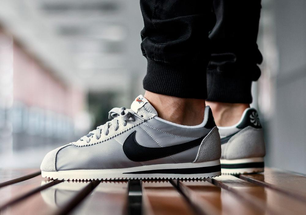 acheter chaussure Nike Classic Cortez Nylon Athletics West 'Matte Silver' (grise) (1)