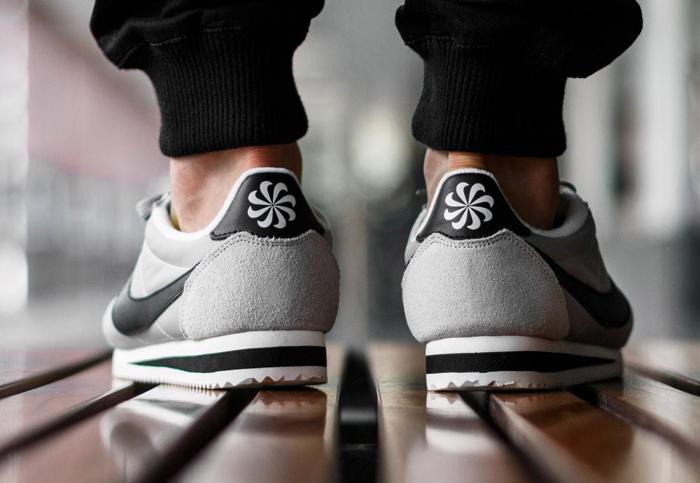 acheter chaussure Nike Classic Cortez Nylon Athletics West 'Matte Silver' (grise) (3)